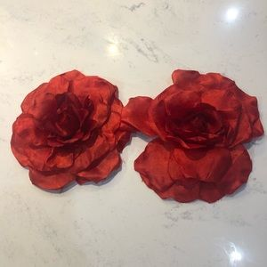 Women's Large Fabric Flowers